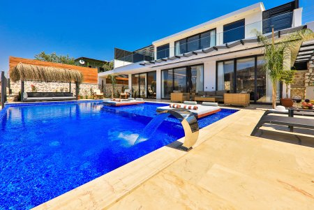 villa glorious